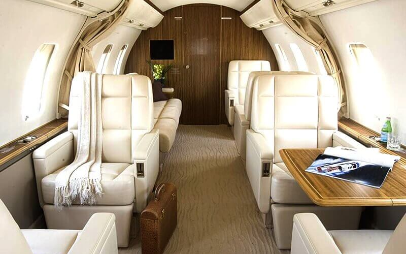The elegant and stylish Challenger 600 series interior, wide and quiet